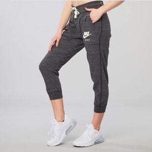 Nike Gym Vintage Heather Gray Capri Pants-XS